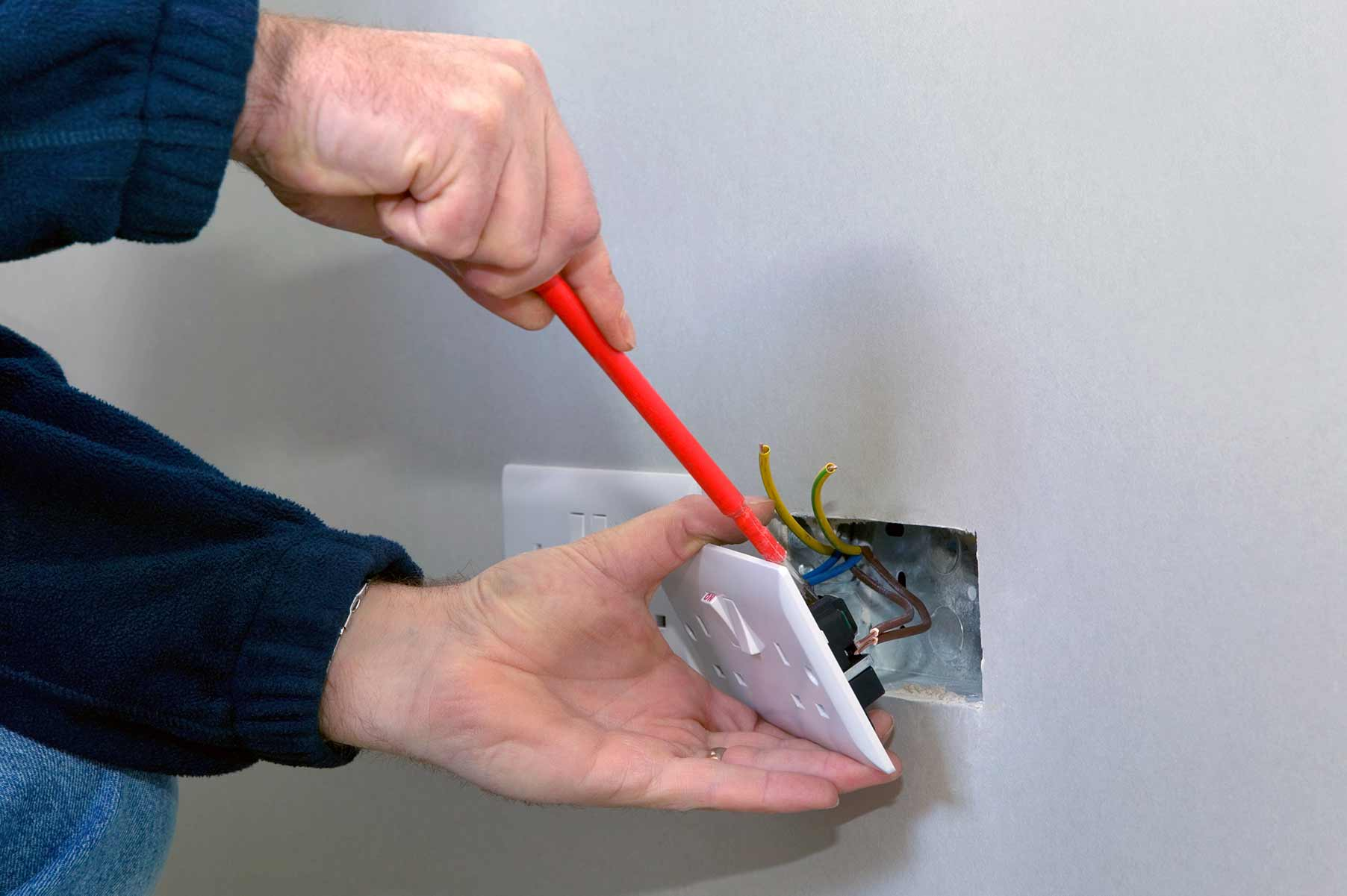 Our electricians can install plug sockets for domestic and commercial proeprties in Shortlands and the local area.